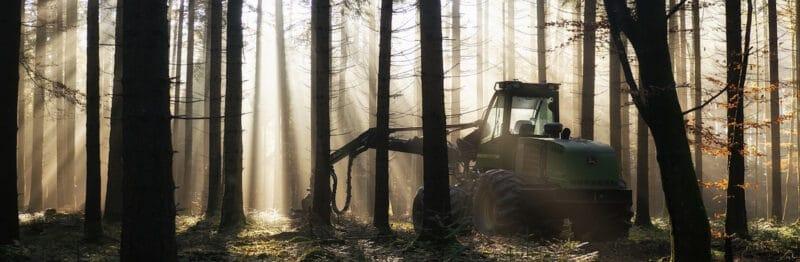 Iskunvaimentimet metsäkoneisiin.